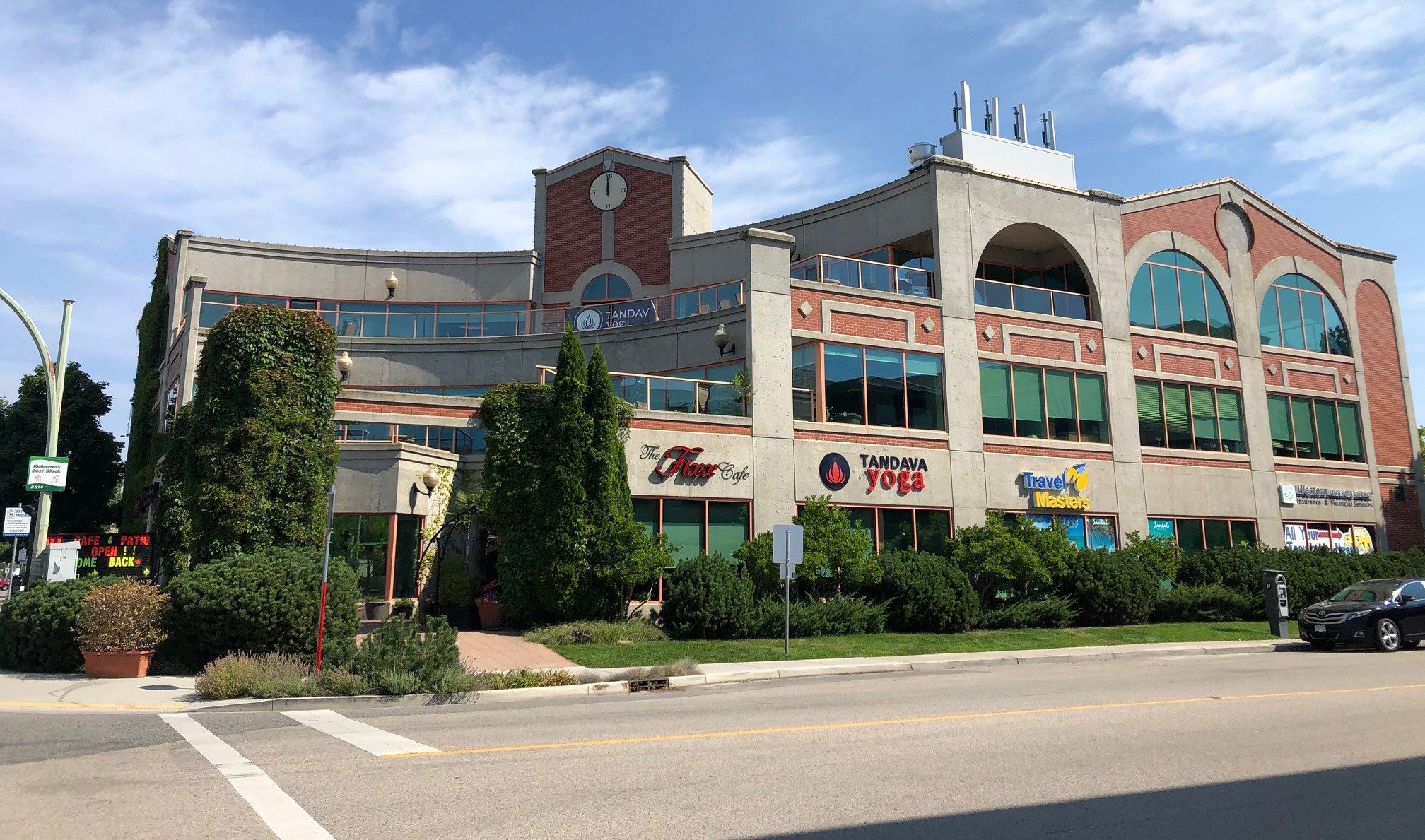 #200-3275 Lakeshore Road, Kelowna, BC - Lower Mission Office Space for Lease